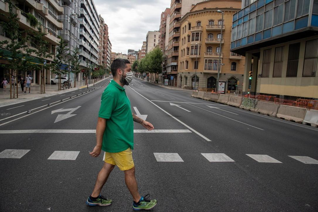 Focolaio incontrollato in Catalogna,lockdown in otto comuni