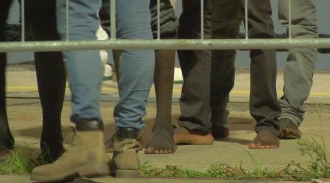 Migranti positivi, il piano: ricovero in ospedali militari a Roma o su apposite navi-quarantena