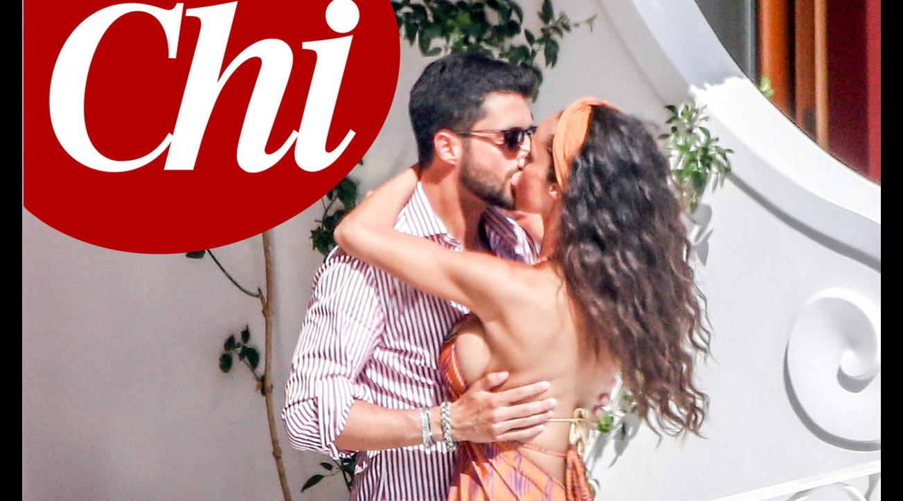 Raffaella Fico beccata con il nuovo amore: è un ricco imprenditore fiorentino