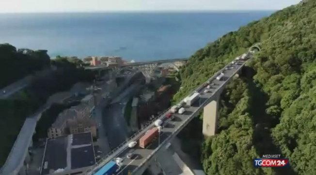 Liguria, autostrade ancora in tilt per ore per i cantieri