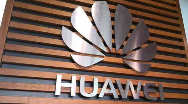 5G, il governo inglese ufficializza: il colosso cinese Huawei escluso fornitura della rete