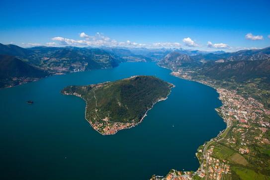 C'è un'isola incantatanel Lago d'Iseo