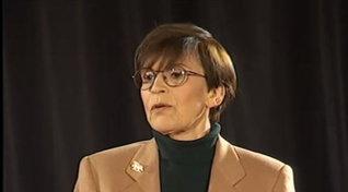 """Franca Valeri compie 100 anni: rivediamola nello storico """"Laboratorio 5"""""""