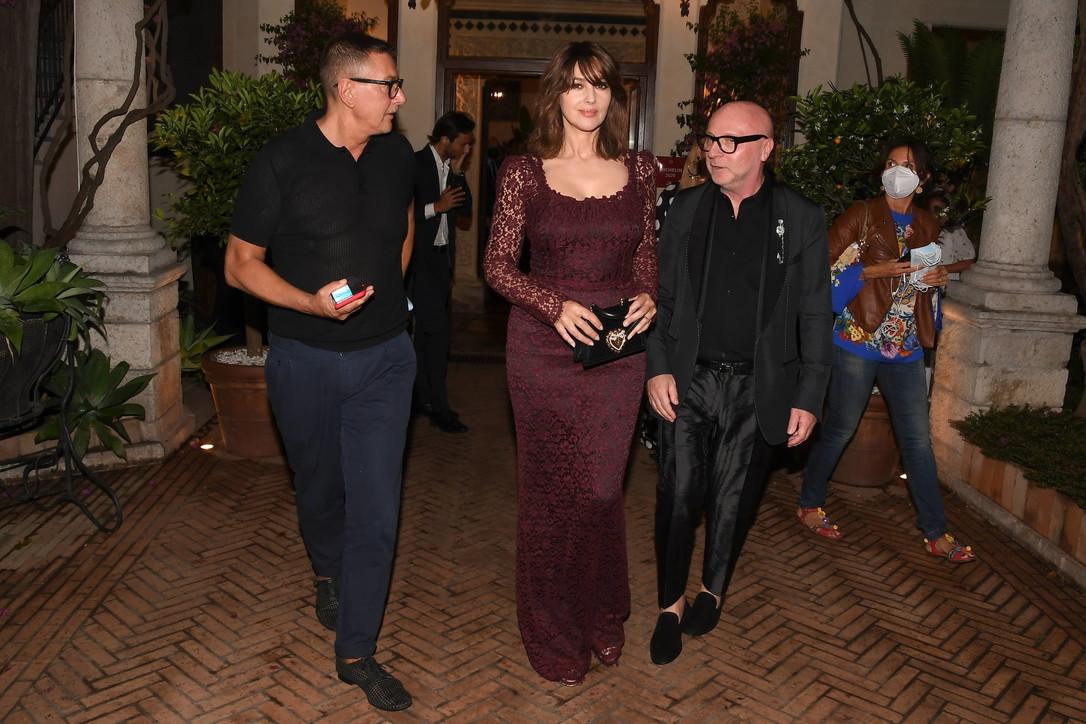 Monica Bellucci a Taormina è una femme fatale