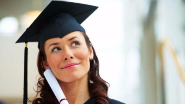 Istat: In Italia la percentuale di donne diplomate e laureate è più alta rispetto agli uomini
