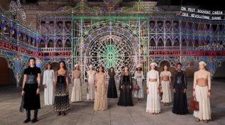 Dior Cruise 2021: sfilata in piazza Duomo a Lecce tra pizzica e magia