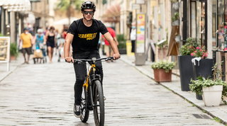Ecco e-Scrambler Ducati, trekking bike a pedalata assistita