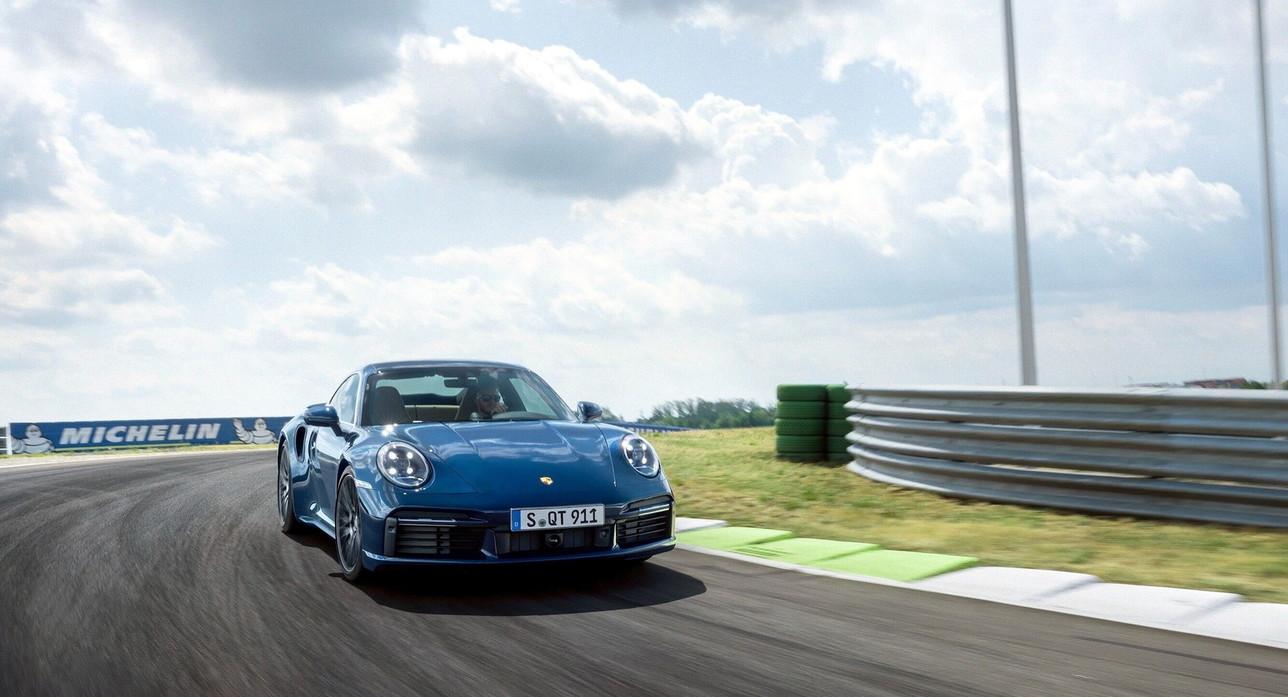 Porsche 911 Turbo Coupé e Cabriolet