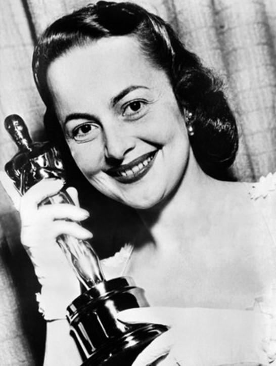 """Cinema, mortaOlivia de Havilland: fu Melania di """"Via col vento"""""""