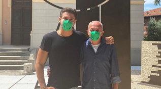 Andrea Denverregala 500 mascherine ai bimbi oncologici