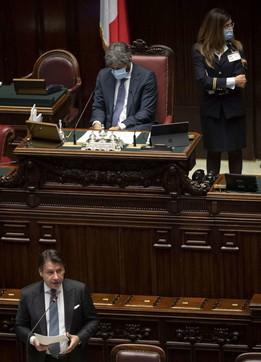 Giuseppe Conte alla Camera: nuovo lockdown è una fake news