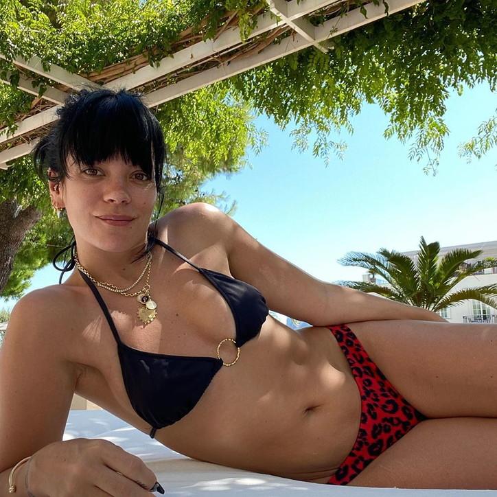Lily Allen festeggia a Capri il primo anno da sobria