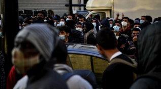 Parigi, evacuato un campo migranti: sgomberate oltre 1.500 persone