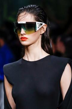 Occhiali da sole donna estate 2020: dai modelli 'top' agli intramontabili