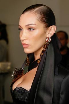 Bellezza, la cura della pelle del viso: i beauty look dalle sfilate