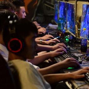 Cina: da settembre i videogiocatori dovranno registrarsi con il loro vero nome