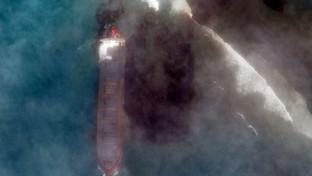 """Mauritius, petroliera incagliata: dichiarato lo stato di emergenza per la """"marea nera"""""""