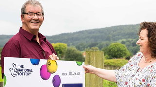 Gb, licenziato e con la moglie malata: vince un milione alla lotteria