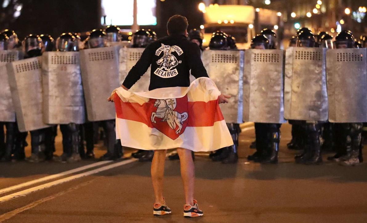 Bielorussia, manifestanti invadono Minsk: interviene la polizia