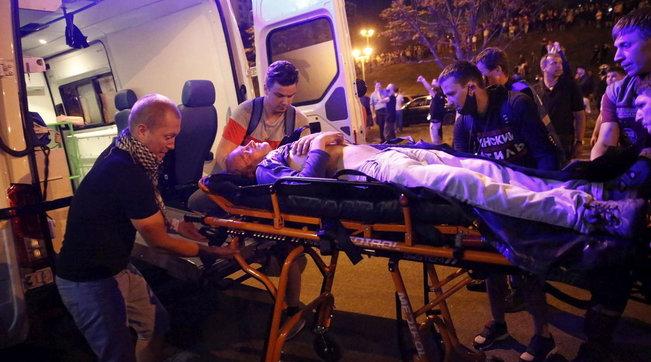 Bielorussia, scontri dopo elezioni: un morto e dozzine di feriti