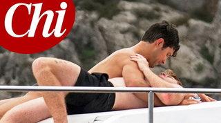 Roberto Bolle e Daniel Lee ancora insieme: romantica crociera in Costiera Amalfitana
