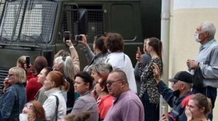 Tensione e proteste nelle strade di Minsk dopo il voto in Bielorussia