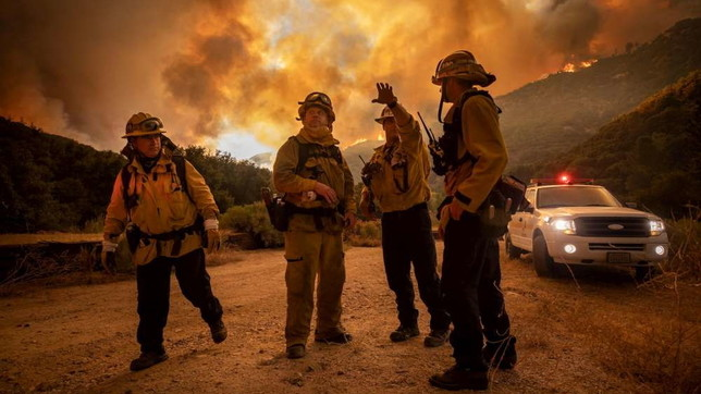 Usa, enorme incendio in California: 500 famiglie evacuate