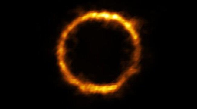 Scoperta la più lontana galassia simile alla Via Lattea: a 12 mld di anni luce da noi, sembra un anello di fuoco nel cielo