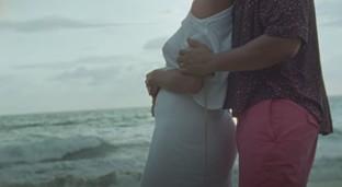 """John Legend, nel video di """"Wild"""" l'amore perChrissy Teigen e un annuncio speciale"""