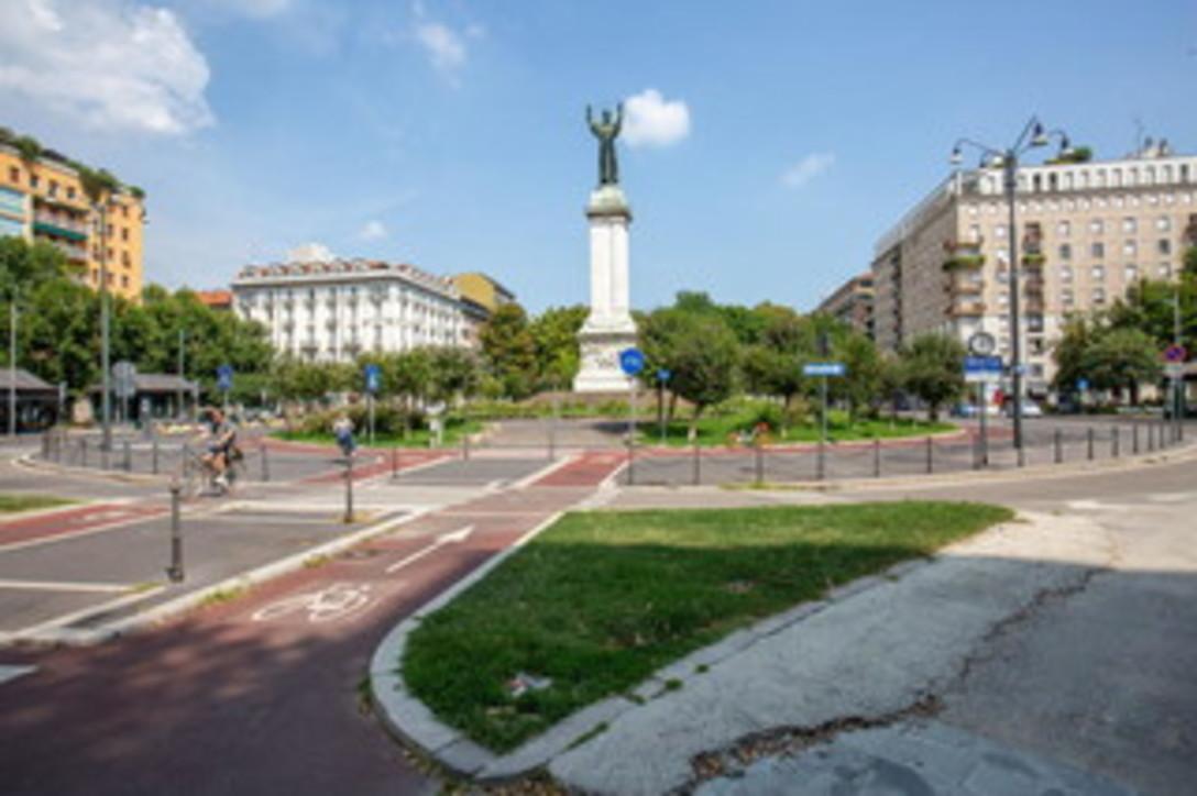 Milano, la città si svuota per il weekend di Ferragosto