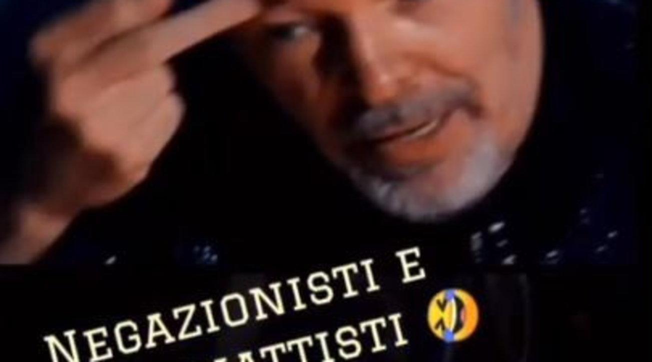 Vasco Rossi contro i negazionisti del Covid