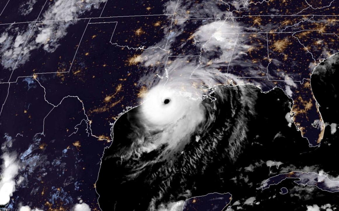 """Usa, l'uragano Laura arriva in Louisiana: """"Sarà una catastrofe"""""""