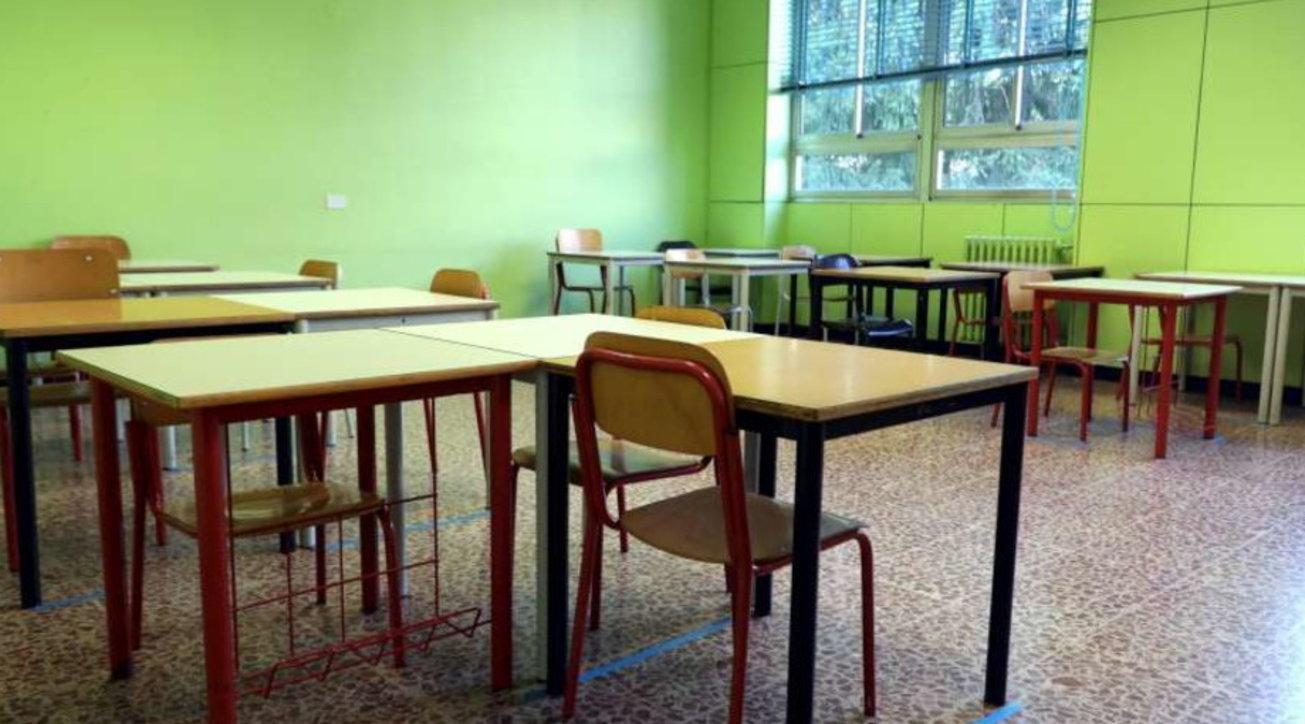 Scuola, ok delle Regioni al documento Iss: solo una modifica | Resta il nodo su aule e trasporto thumbnail