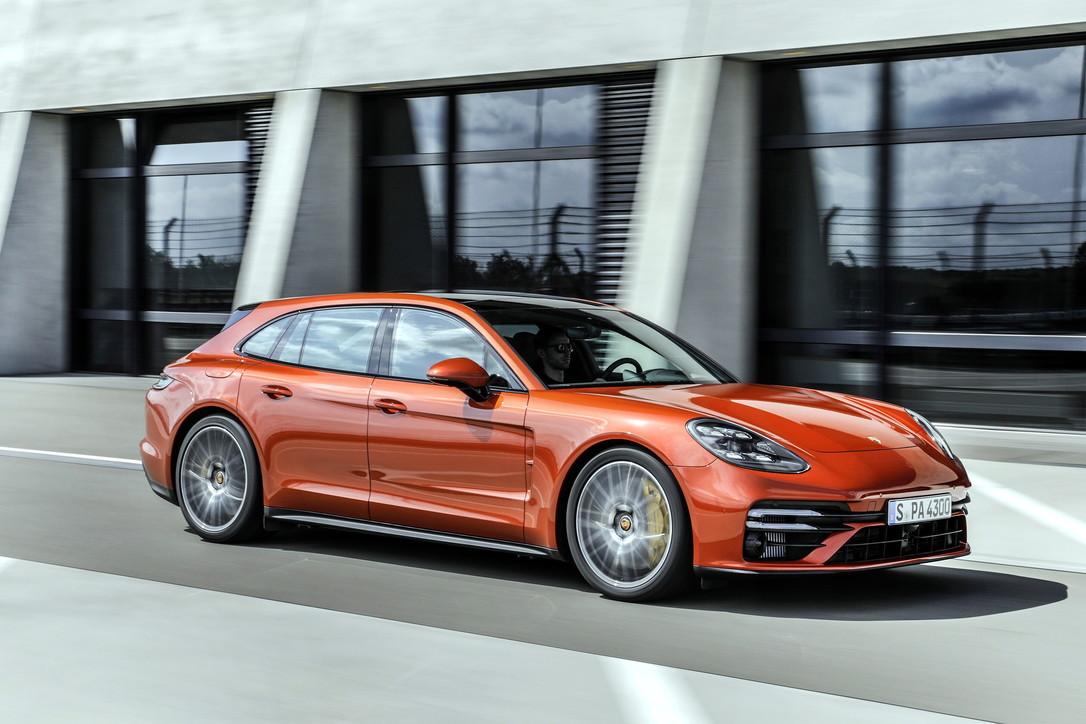 Panamera si conferma sul trono Porsche
