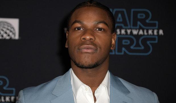 """""""Star Wars"""", John Boyega contro la Disney: """"Messo da parte per il mio colore della pelle"""""""
