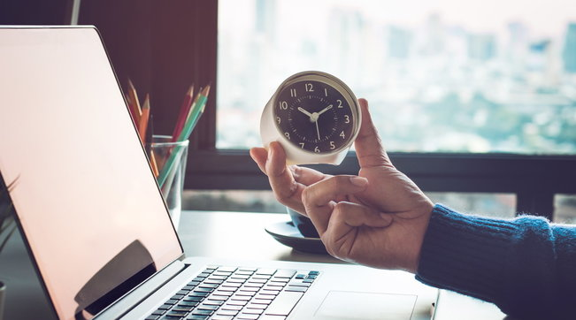 Meno ore di lavoro (da 8 a 6) e maggiore produttività: la proposta che arriva dalla Finlandia... e non solo