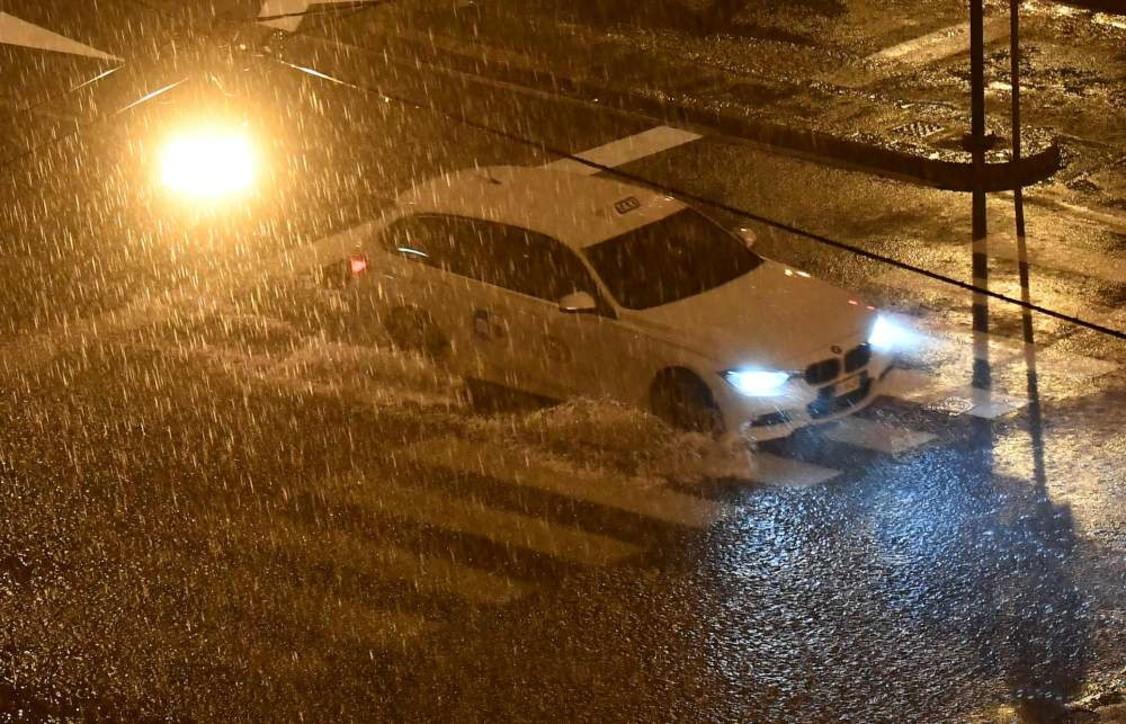 Tempesta su Genova, danni e allagamenti in tutta la città