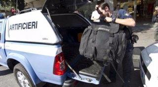Pescara, allarme bomba: pacchi sospetti davanti al tribunale e alla Asl