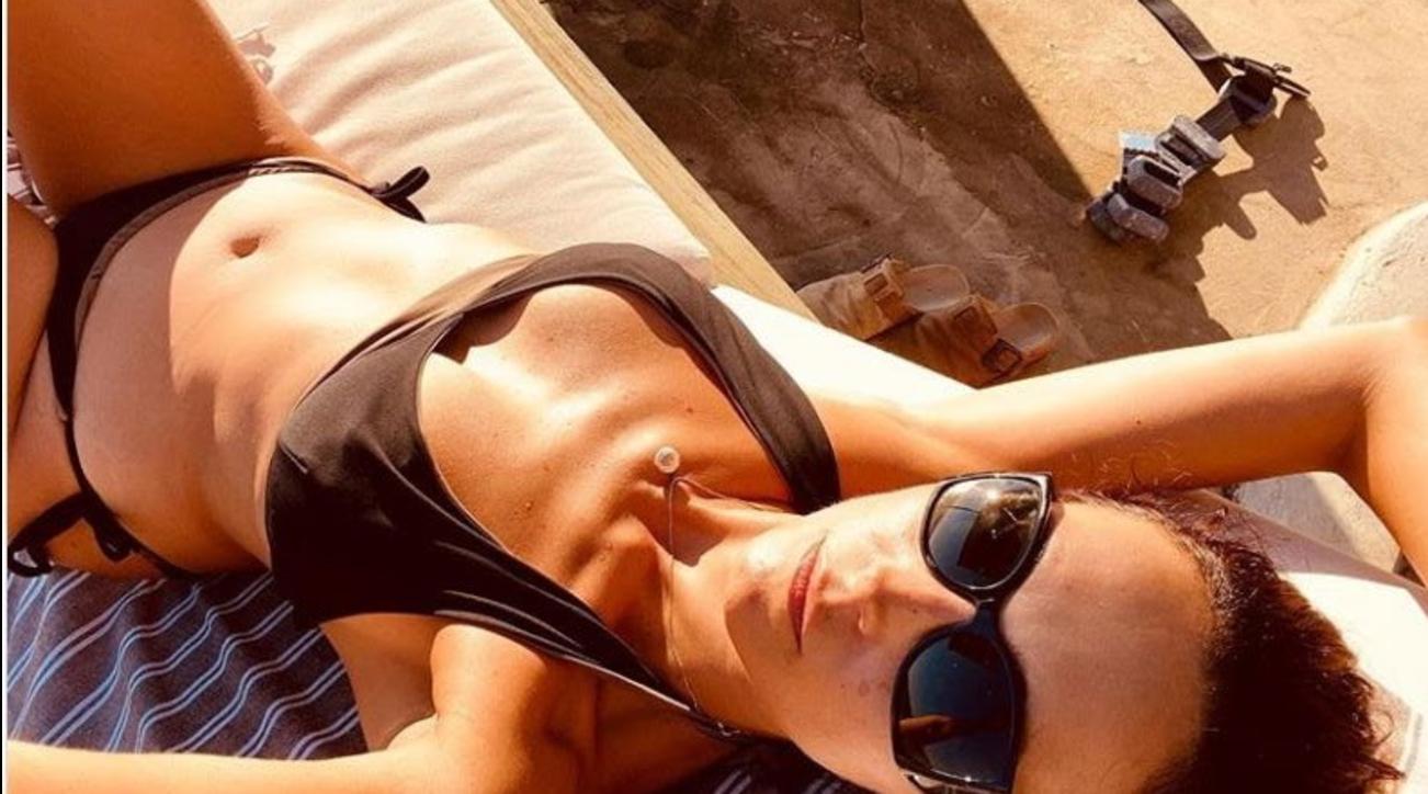 Caterina Balivo, pancia in dentro per uno scatto da top model