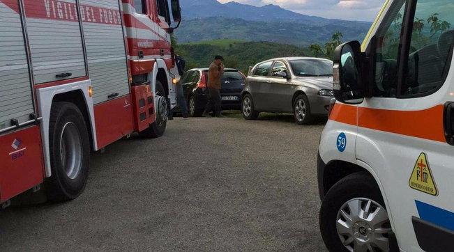 ambulanza, vigili del fuoco, pompieri generica, soccorsi