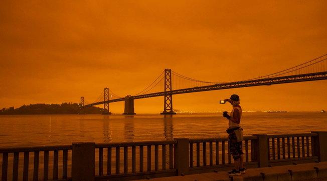 Usa, emergenza incendi sulla costa occidentale. Oltre 30 morti