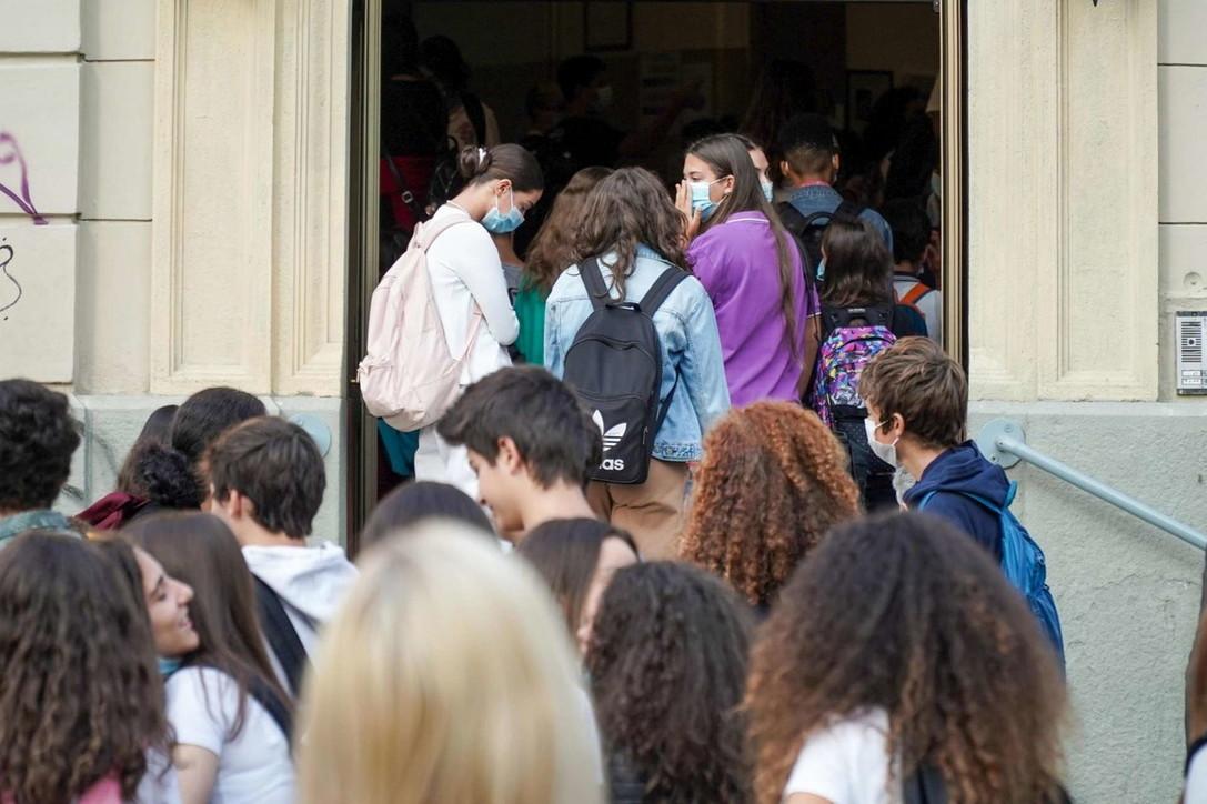 Riparte la scuola: 5,6 milioni di studenti tornano in aula