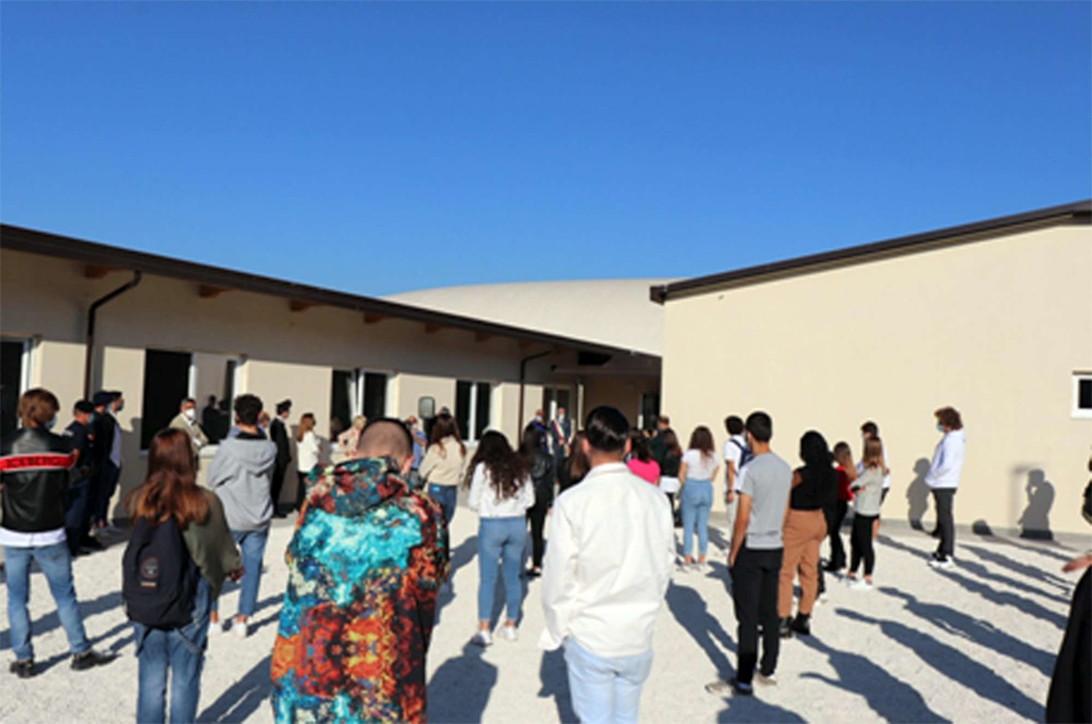 Il ritorno (con inaugurazione) nelle scuole di Norcia