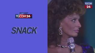 Buon compleanno Sophia Loren, rivediamola ritirare il telegatto nel 1988