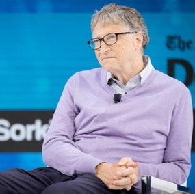 """Coronavirus, Bill Gates: """"La pandemia finirà tra due anni e l'autunno sarà molto duro"""""""