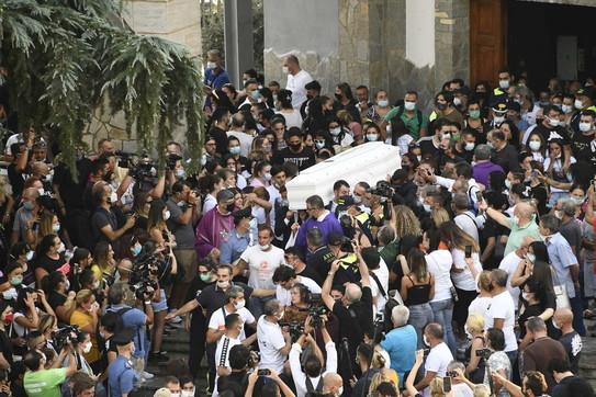 Caivano, i funerali di Maria Paola Gaglione