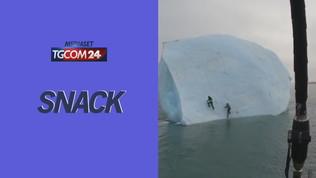 Provano a scalare un iceberg: ecco come finisce l'impresa di due esploratori