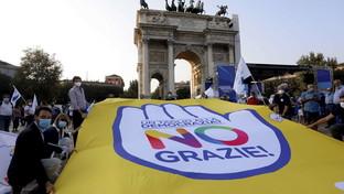Referendum, a Milano il fronte del no con Calenda e Bonino