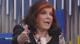 """Patrizia De Blanck contro Alba Parietti, lei chiama in diretta: """"Hai ragione sono una grande str..."""""""
