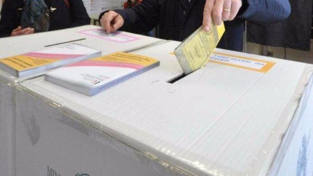 Primo voto nel segno del covid: scrutatori in fuga |Milano e Torino corrono ai ripari| Ai seggi con lamascherina: le regole